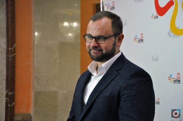 Луцький міський голова за пів року отримав майже 200 тисяч гривень премії